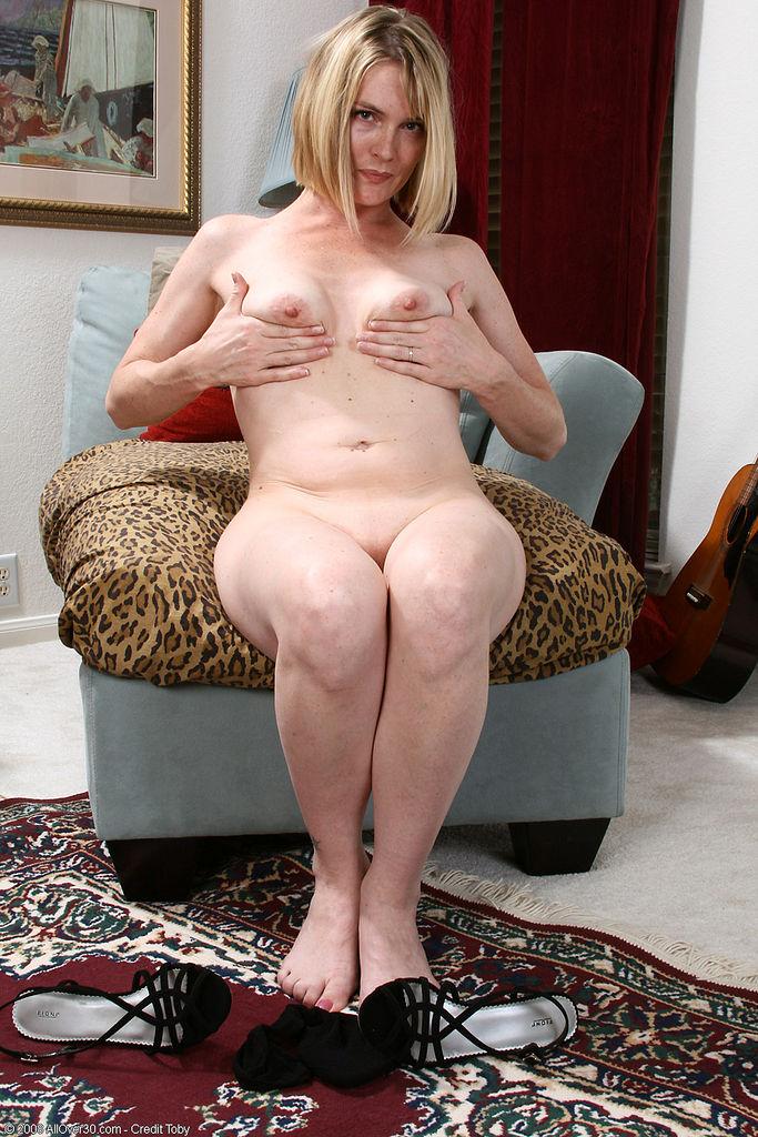 models naked shower video