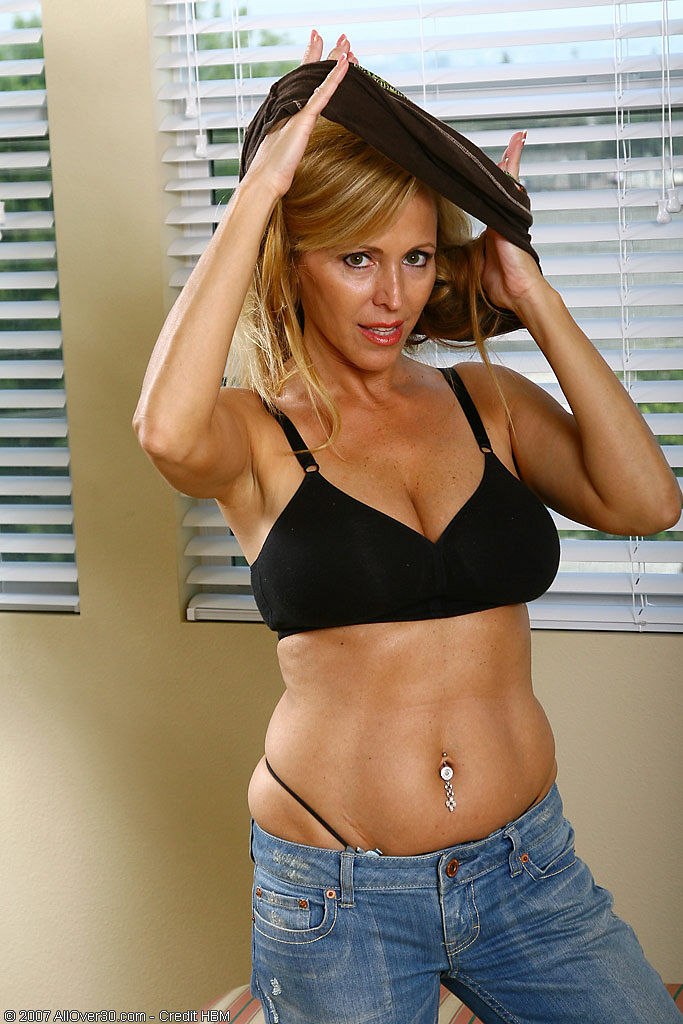 Nicole Moore Nude Photos 47