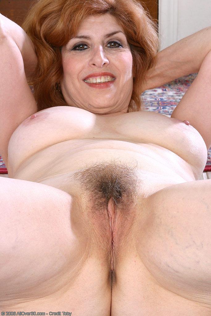 mature Nadine porn photo