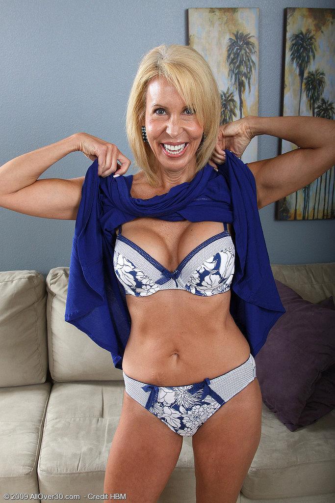 Plus size lingerie models 2
