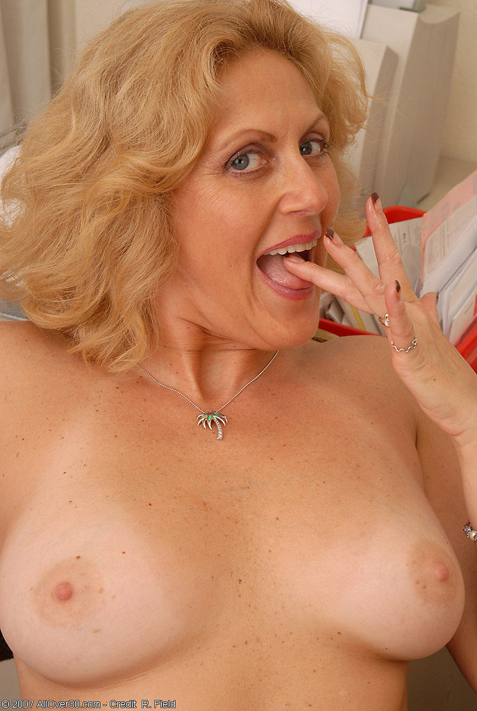 Lady s and the naughty neighbour 9