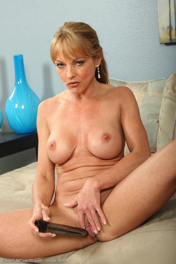 Mature women naked pics gallarys