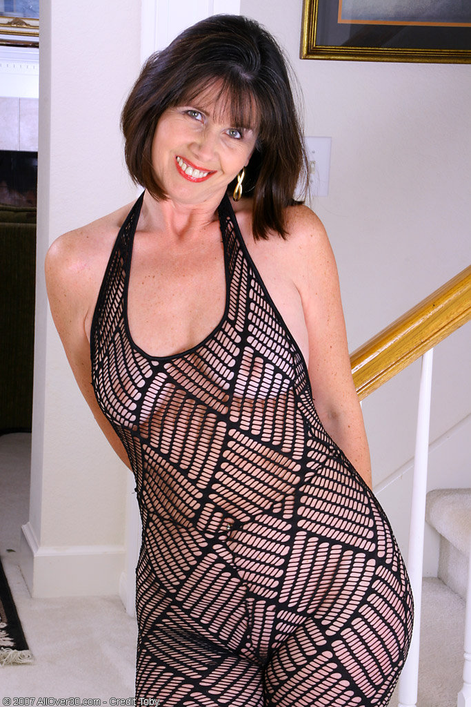 Another free Mature Gallery from AllOver30.com